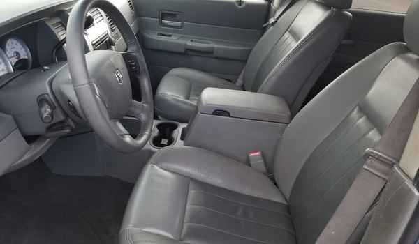 2004_Dodge_Durango_Limited_4x4_5.7-15360995096.jpg