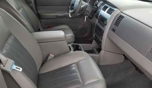 2004_Dodge_Durango_Limited_4x4_5.7-15360995099.jpg