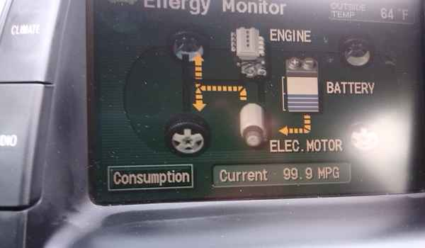 2005-prius-display.jpg