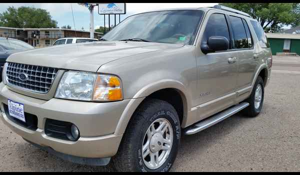 2005_Ford_Explorer_Limited_4x4_B66132-14352620110.jpg
