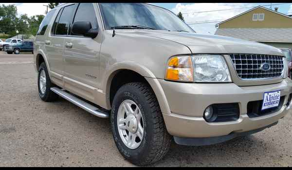 2005_Ford_Explorer_Limited_4x4_B66132-14352620122.jpg