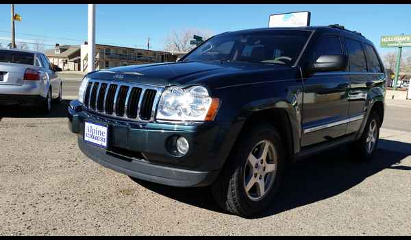 2005_Jeep_Grand_Cherokee_Limited-14465796830.jpg