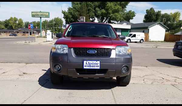 2006_Ford_Escape_XLT-14737021621.jpg