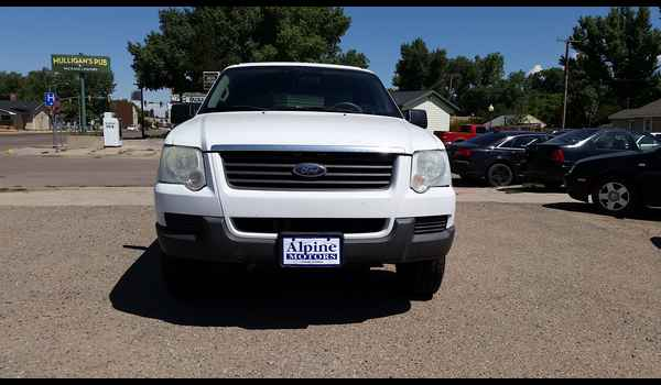 2006_Ford_Explorer_XLS_4X4-14711162681.jpg