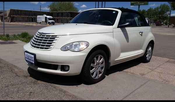 2007_Chrysler_PT_Cruiser_Convertible-14965139540.jpg