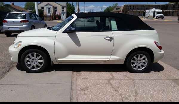 2007_Chrysler_PT_Cruiser_Convertible-14965139542.jpg