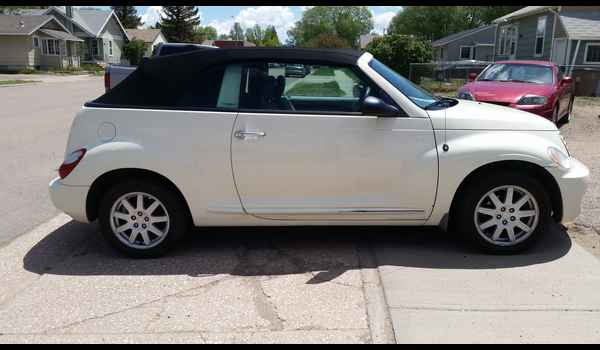 2007_Chrysler_PT_Cruiser_Convertible-14965139543.jpg