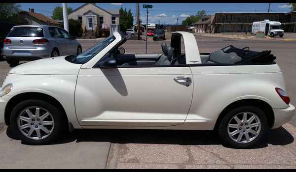 2007_Chrysler_PT_Cruiser_Convertible-14965139545.jpg