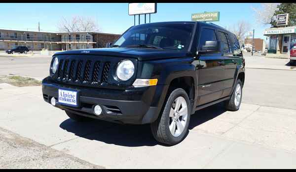 2013_Jeep_Patriot_Sport_4x4-14914180860.jpg