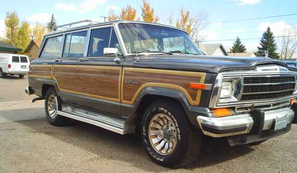 jeep-wagoneer-side.JPG